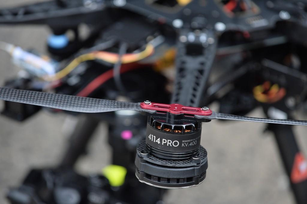 MENXXQ506_MA_DRONE INTEMPERIE